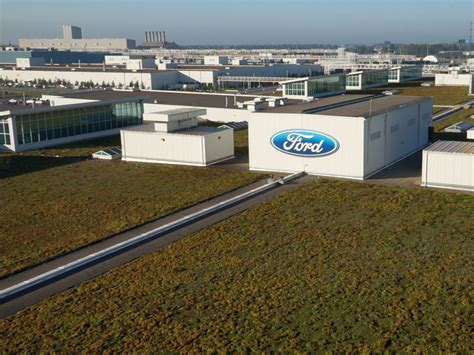 ford dearborn plant ford dearborn truck plant celebrates 10 years of