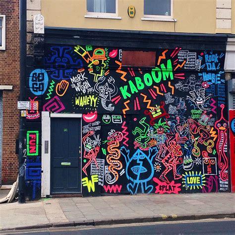 beautiful bristol street art street graffiti street