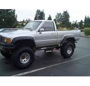 My Lifted 88 Toyota 4x4 With The New Tires On It 35X135