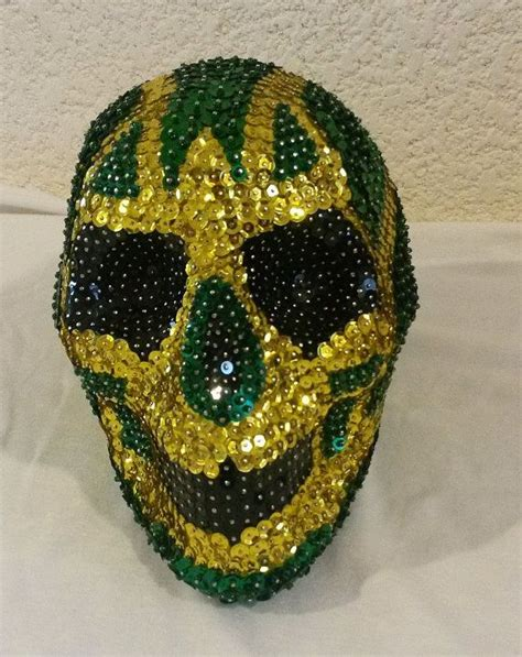 imagenes de calaveras decoradas con diamantina calavera lentejuela mascara verde por calaveralentejuela