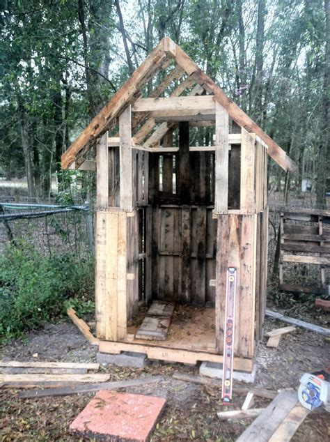 Small Houses Designs And Plans How To Build A Pallet Chicken Coop 20 Diy Plans Guide