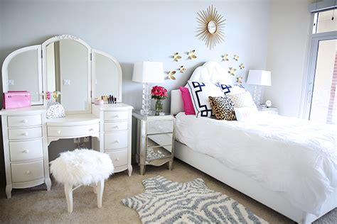 Southern Curls Pearls Bedroom Reveal | bedroom reveal southern curls pearls bloglovin