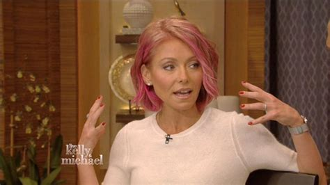 hair color kelly ripa uses kelly ripa explains her new hair color video abc news