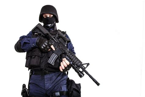 tactical officer lessons in less lethal sdi
