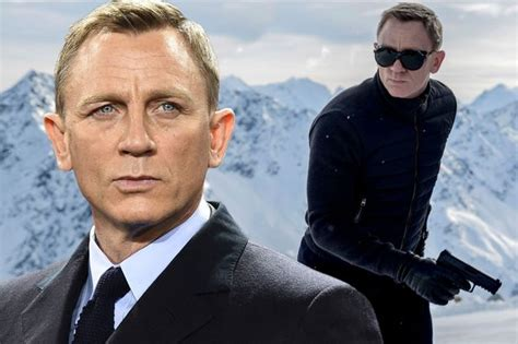 james bond bosses confident daniel craig will do fifth james bond s 25th delayed by bosses so daniel craig can