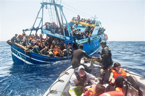 refugee boats to italy 30 migrants found dead as refugee boats arrive in italy