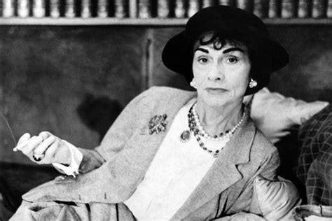 coco chanel easy biography coco chanel fashion designer biography
