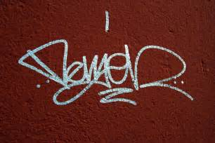 tag graffiti
