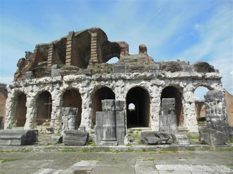 popolare di ancona santa capua vetere l anfiteatro foto di anfiteatro cano o capuano santa