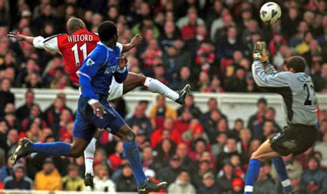 arsenal boxing day arsenal five top boxing day moments including memorable
