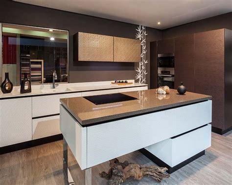 la cocina y los amueblar la cocina con muebles auxiliares
