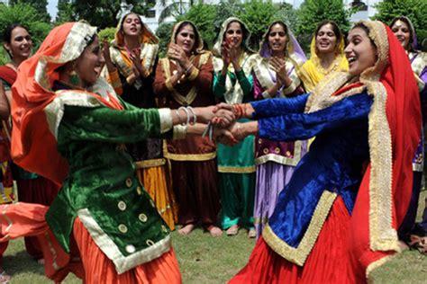 teej festival haryana india   festival packages hotels travelwhistle