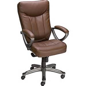 Staples Leather Desk Chairs It S Easy To Find The Office Supplies Copy Paper