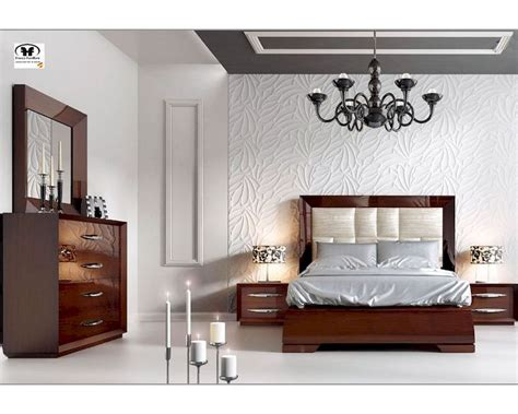 contemporary walnut bedroom furniture modern bedroom set in walnut carmen 33131cr