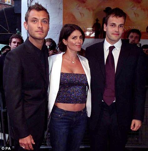 jude law blocks parts of sadie frost's tell all book