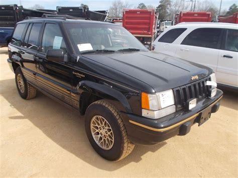 i a 1994 jeep grand v8 when i put my 1994 jeep grand 4x4 s n 1j4gz78y7rc251742 v8