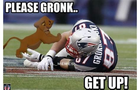 Sports Injury Meme - gronk injury gallery the funniest sports memes of 2013