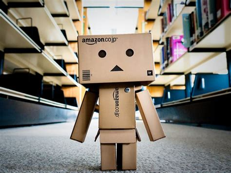 amazon robot amazon vs overstock dot com pricing war hits graphic
