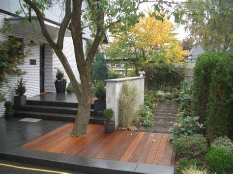 sitzplätze im garten terrassenuberdachung holz und stein bvrao