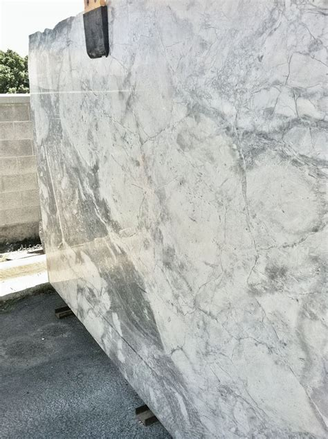 granite that looks like marble pin by nadine corless on kitchen