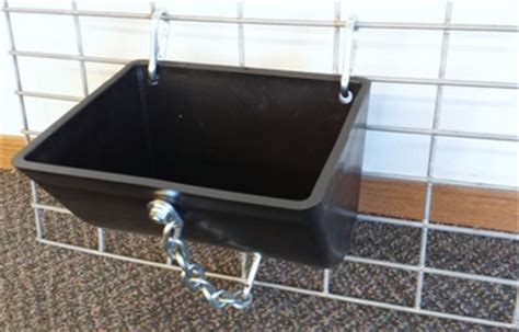 Clip On Pig Feeders show stopper equipmnt club feeders and hanging feeders for your show sheep