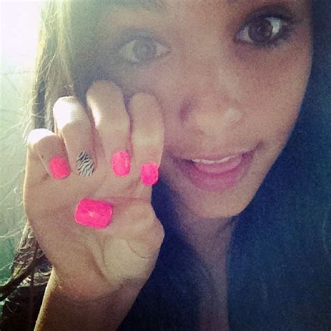 madison beer nails madison beer nails steal her style