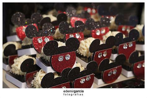 Tomicashop Disney Mickey Vintage Car 39th pin vintage land o lakes cheese box american by