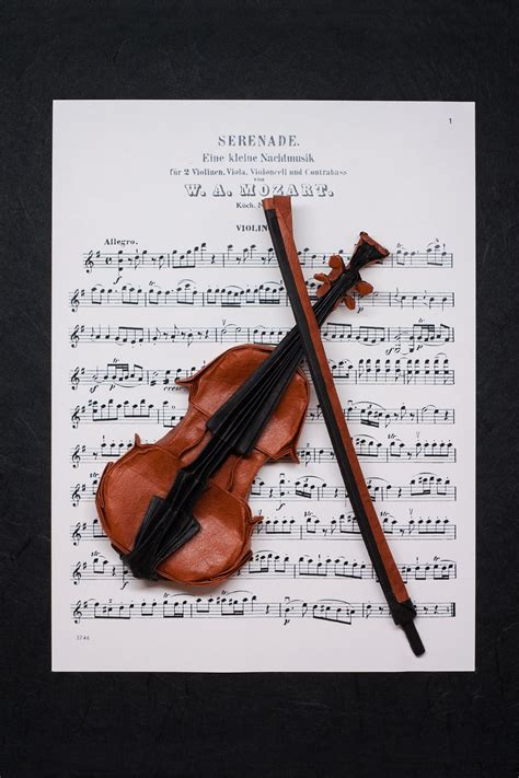 Origami Violin - take a minuet to look at this amazing themed origami