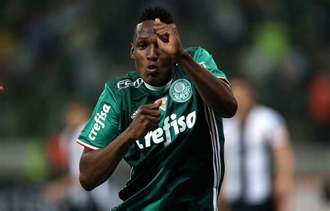 yerry mina barcelona set to sign highly rated colombia defender yerry