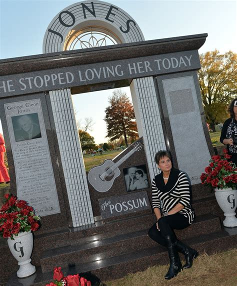 nancy jones in george jones monument unveiling 31 of 67