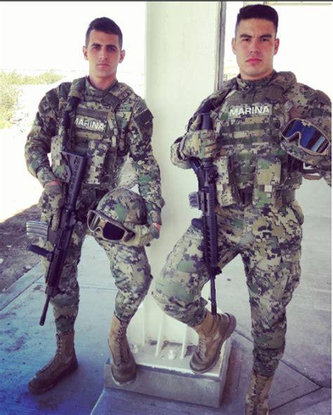 policia infanteria sueldo infantes de marina mexicanos portando fusiles sig sauer
