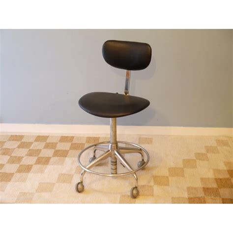 chaise de bureau style industriel chaise bureau vintage industrielle roulettes la maison retro
