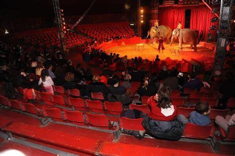 teatro tenda brescia bologna va in scena il circo di mosca il resto