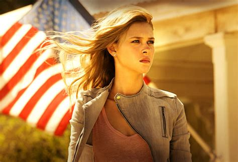 actress in age of extinction photo gallery young actors lead cast of transformers age