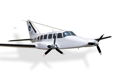 piper pa 31 350 navajo chieftain air freight solutions model civilian 194 50