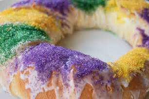 king cake cheesecake kitchen belleicious