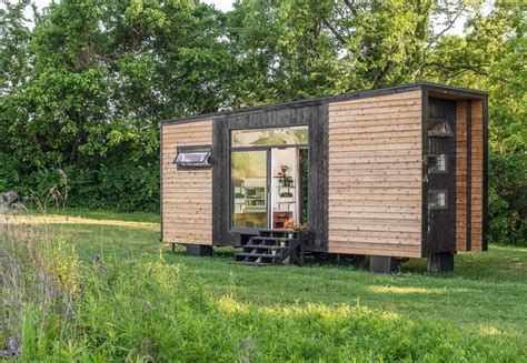 alpha tiny house by new frontier hiconsumption alpha tiny house new frontier tiny homes