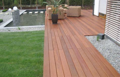 Was Kostet Eine Holzterrasse by Terrasse Holz Verlegen Kosten Bvrao