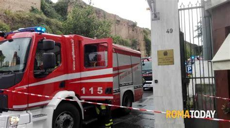 ufficio finanze incendio in via sicilia in fiamme ministero economia e