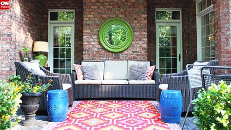 Find Sanctuary From Summer Heat In The Back Yard Cnn Com Backyard Decorating Ideas For