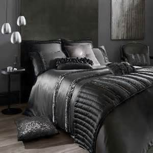 Bedding Sales Online Designer Bedding Online Offers Discounted Designer Bed