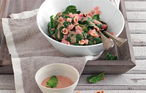 rabarbaro come si cucina ricetta insalata di spinaci e rabarbaro con salsa di