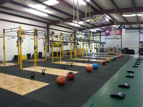 crossfit gym floor plan girls leave whatever it is you are doing and join