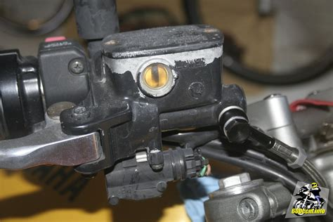 Bremsfl Ssigkeitsbeh Lter Motorrad Bmw by Leck Am Bremsfl 252 Ssigkeitsbeh 228 Lter Cb250k4