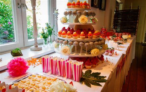 etagere cupcakes hochzeit bar zu ihrer feier mundus