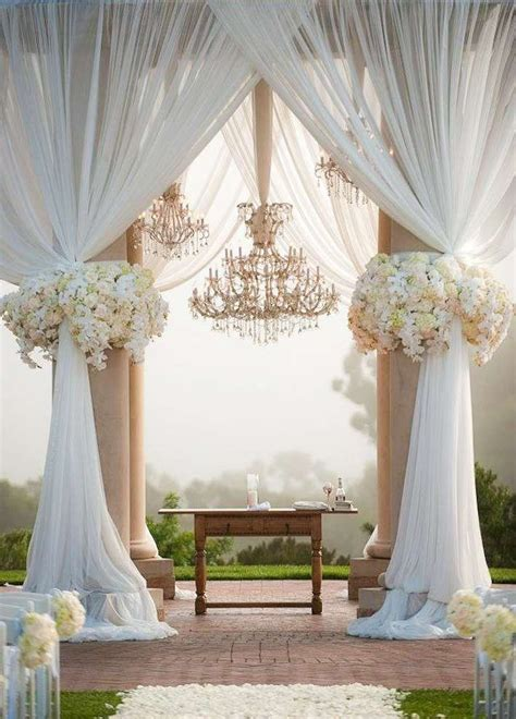 17 best ideas about decorations 2017 on wedding columns theatre props