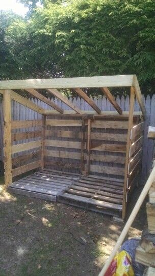 pallet wood shed     asked