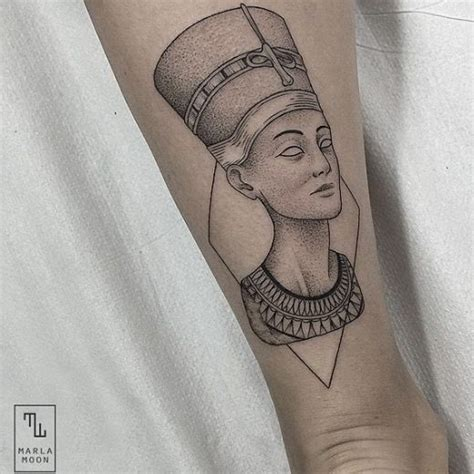 queen nefertiti tattoo rihanna marla moon tattoo nefertiti skins pinterest moon