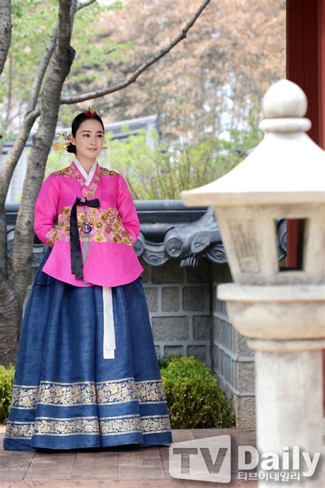 Baju Hanbok Jang Ok Jung 100 best images about a hanbok closet on traditional korean hanbok and korean wedding