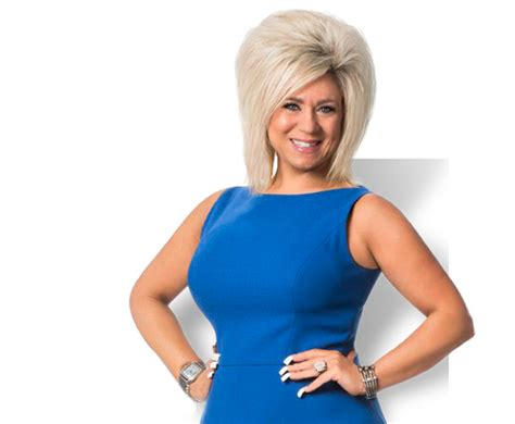 theresa caputo new hair long island medium returning to tlc mxdwn television